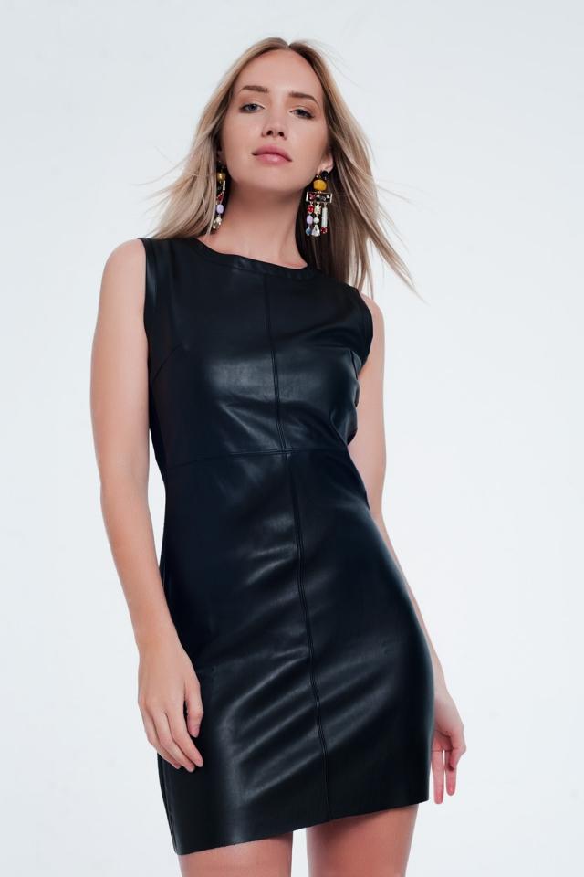 Vestido de couro sintético preto liso combinado