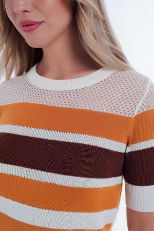 Suéter listrado cor de mostarda