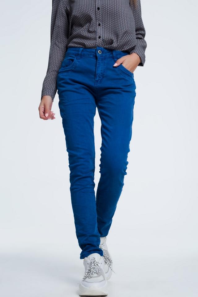 Calças de ganga cor azul com virilha baixa