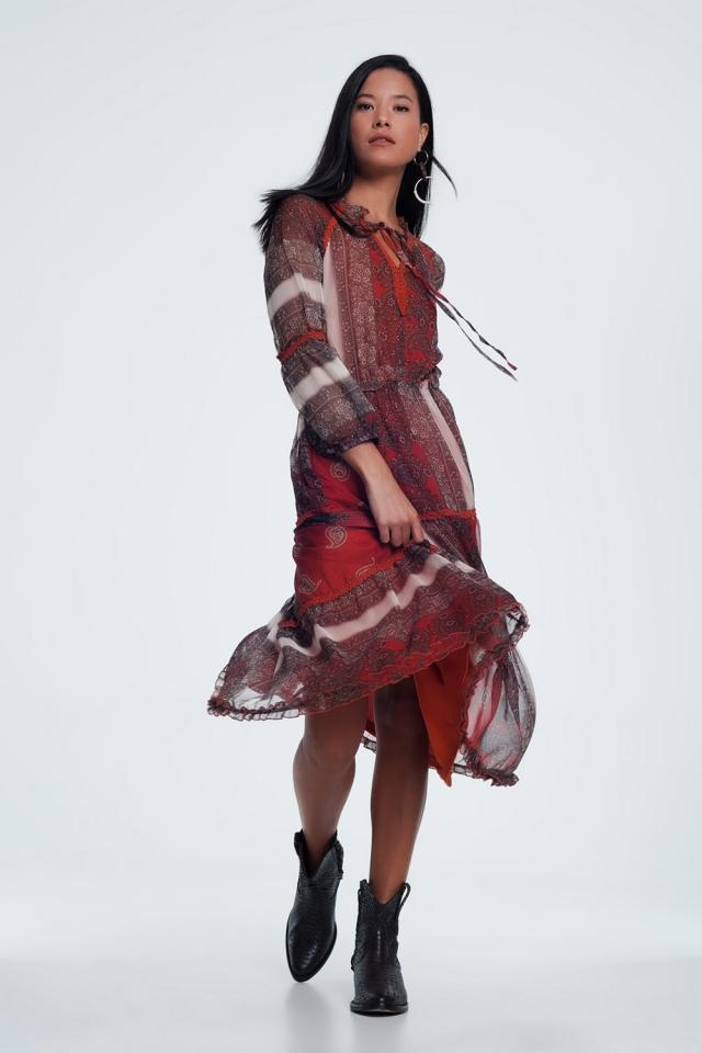 Vestido comprido em tecido transparente com estampado floral de caxemira