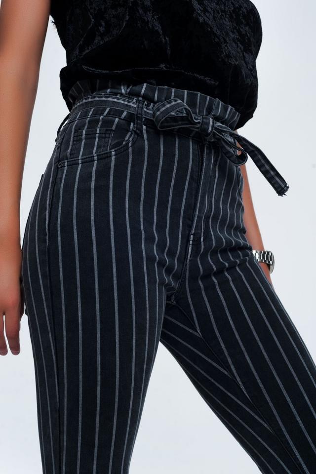 Jeans skinny cinza com listras