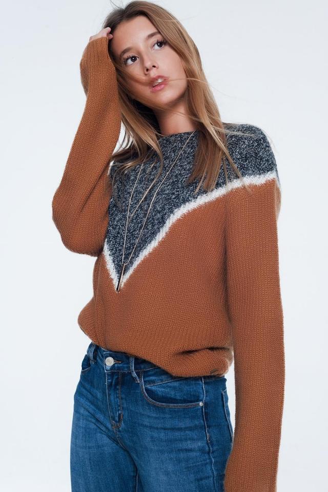 camisola de bloco de cor chevron em camelo