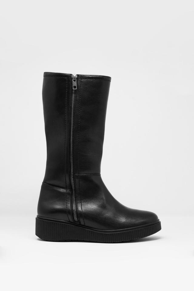 botas grossas em preto
