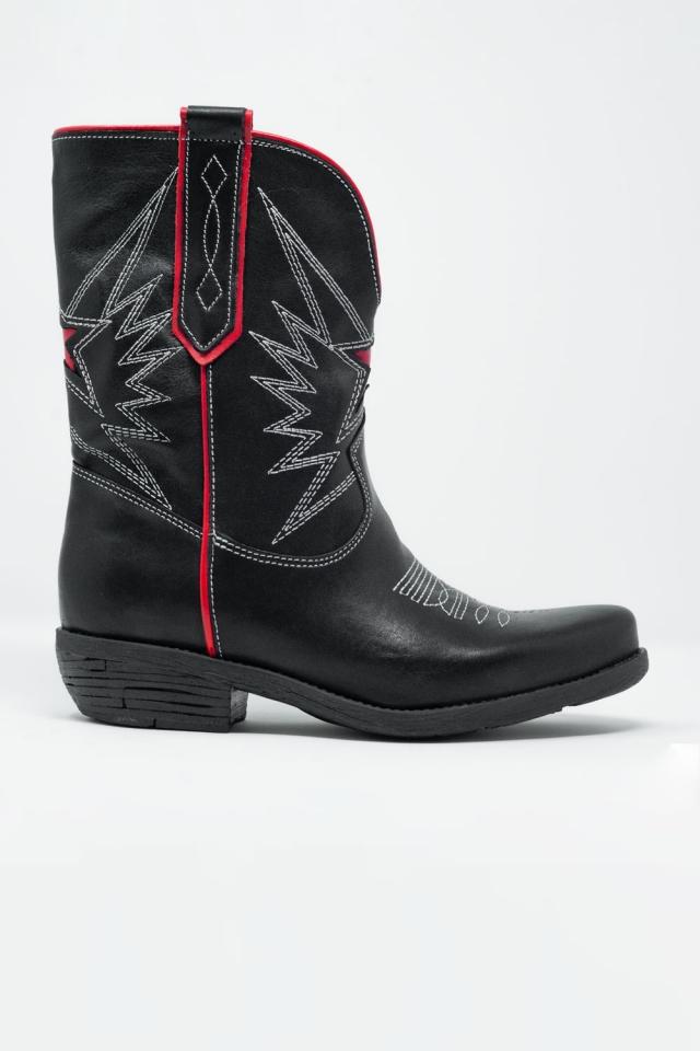 Botas de estilo western em couro preto e vermelho