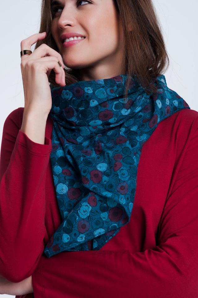 Lenço colorido turquesa estampado