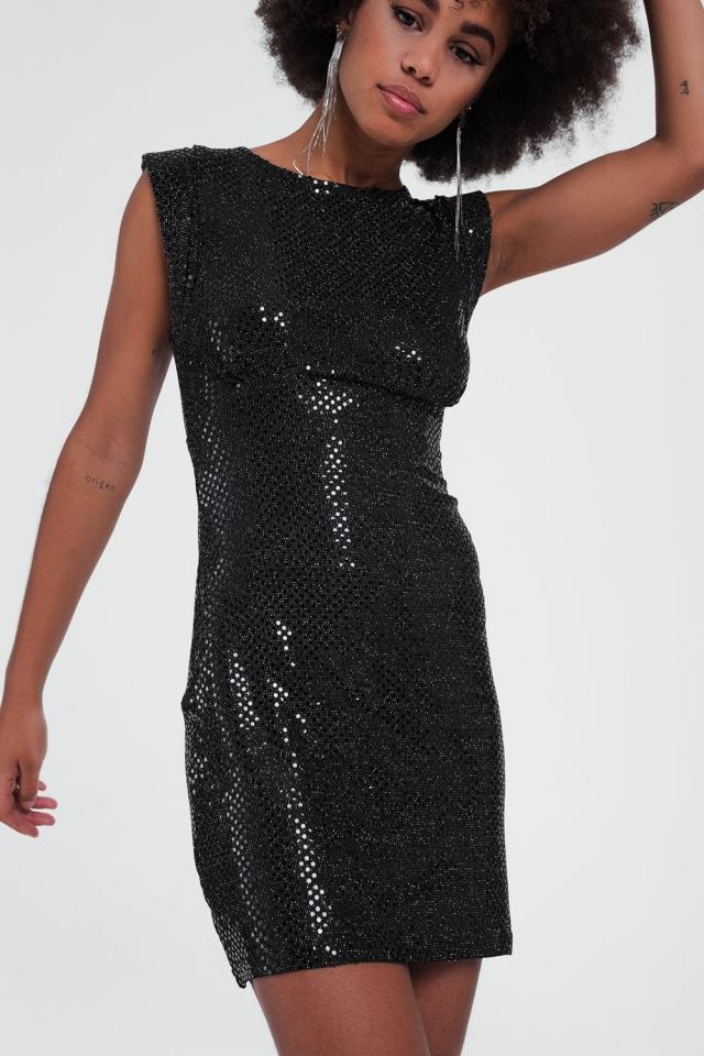 Vestido com lantejoulas pretas