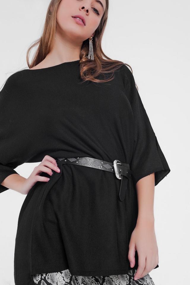 camisola preta de grandes dimensões e manga curta