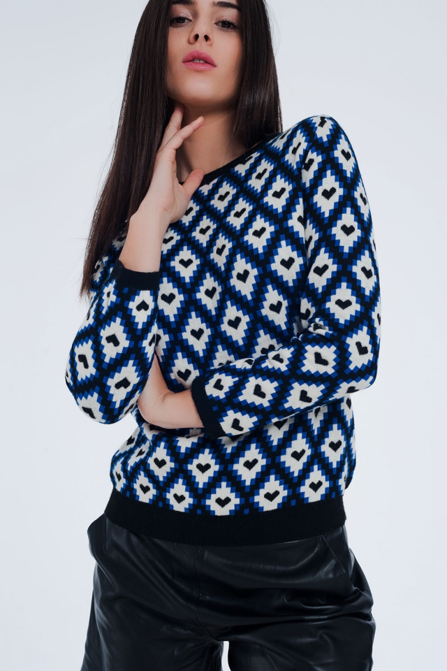 Camisola azul com estampa de corações