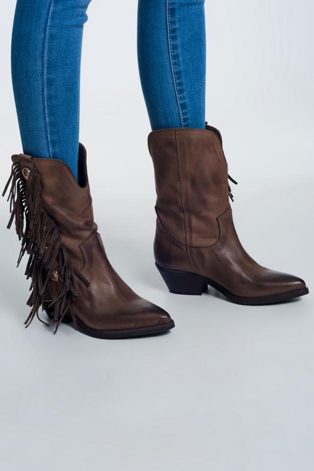 Botas de cowboy com franjas bege