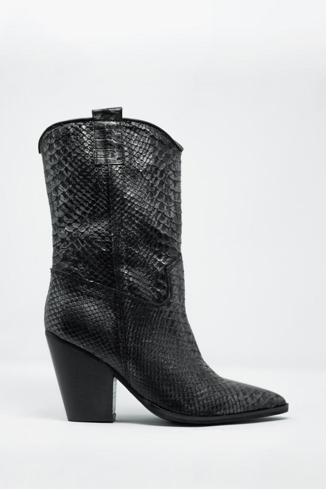 Botins de couro preto com efeito de crocodilo