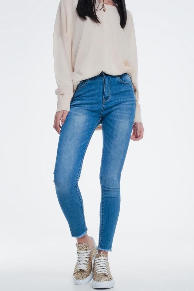 calcas de ganga skinny com bordas inacabadas