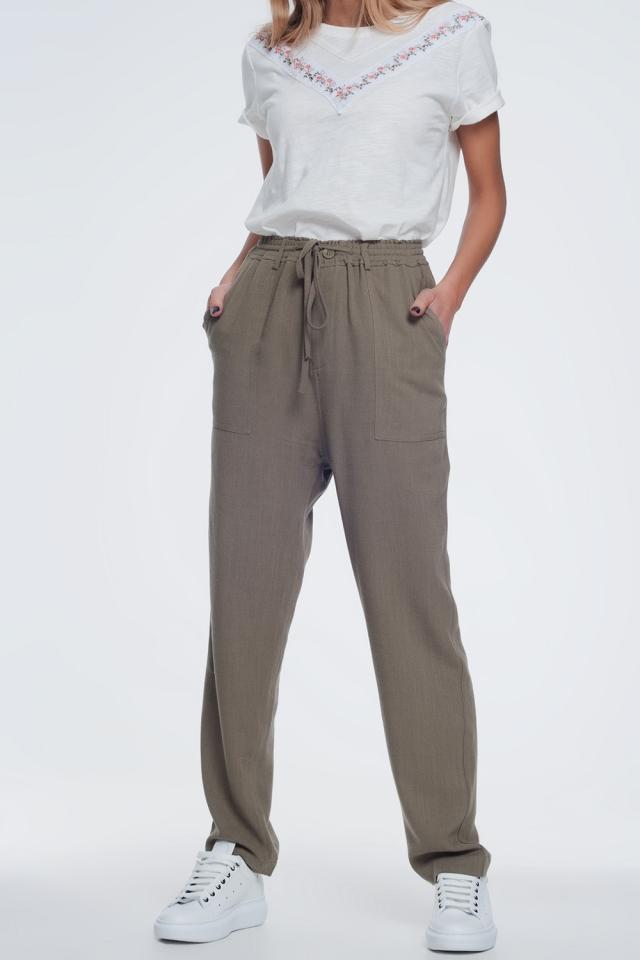 Calças cáqui com cintura elástica