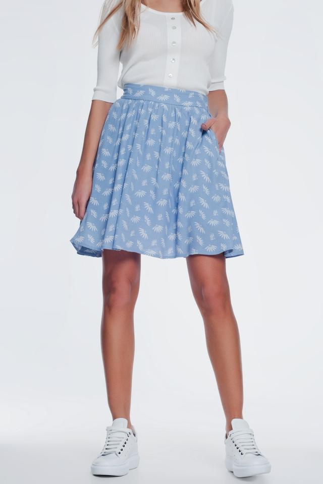 Mini-saia com voo e design floral vintage em azul