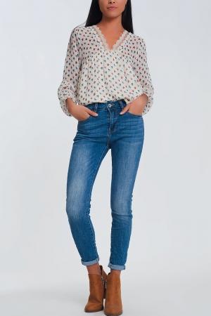 Jeans skinny azul claro com meia cintura
