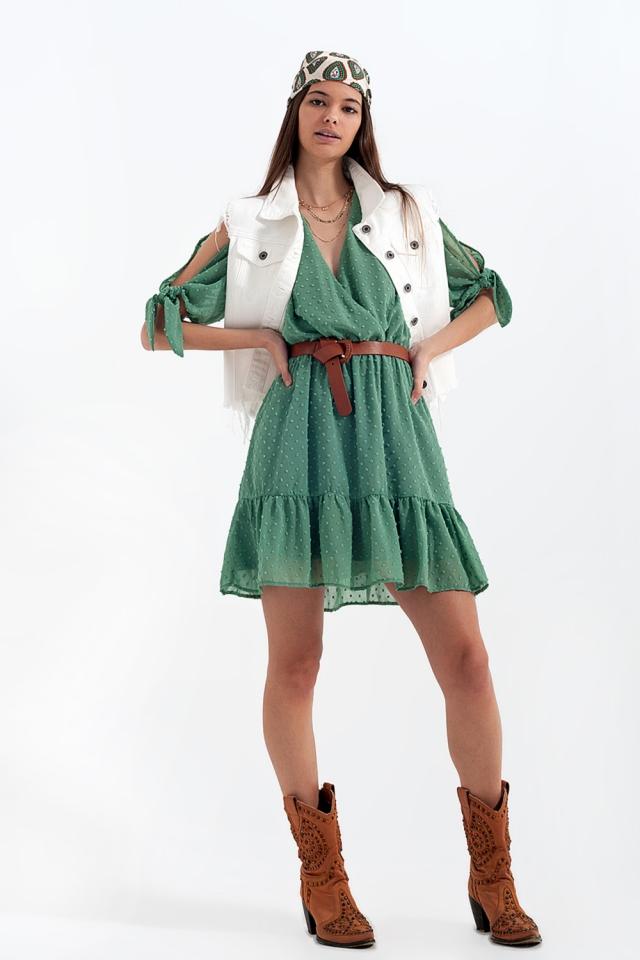 Mini vestido de manga de gravata em verde