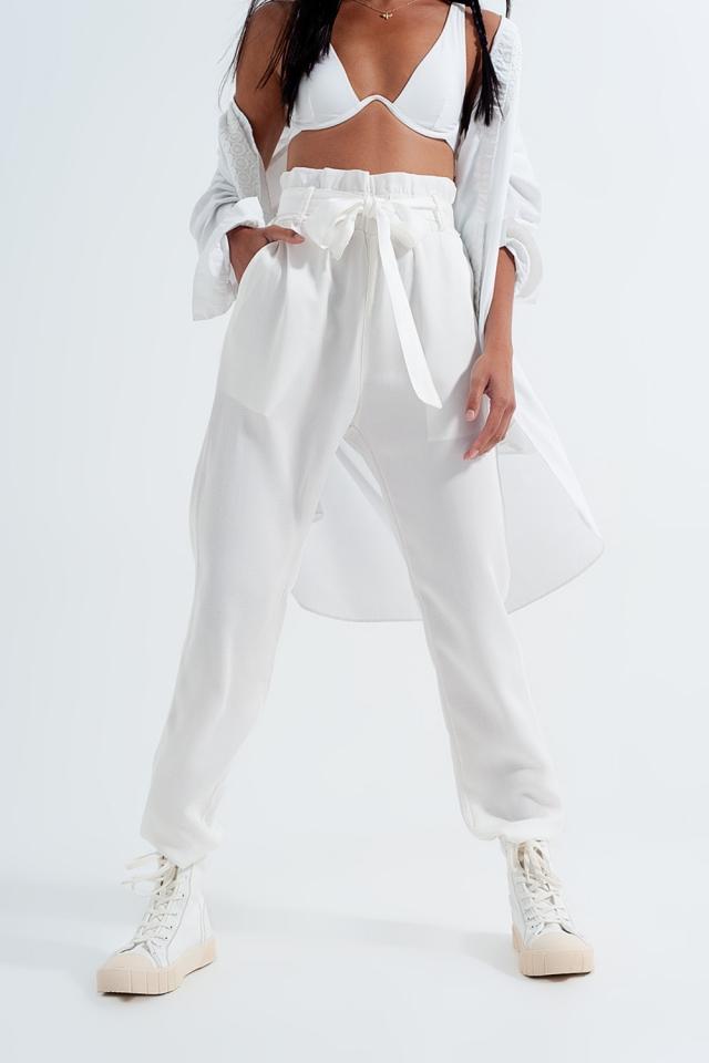 Calças leve com cintura de laço em branco