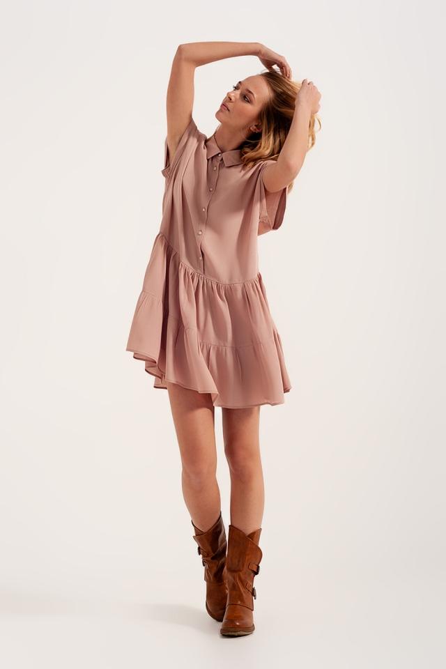 Vestido de camisa curta com bainha em camadas rosa claro