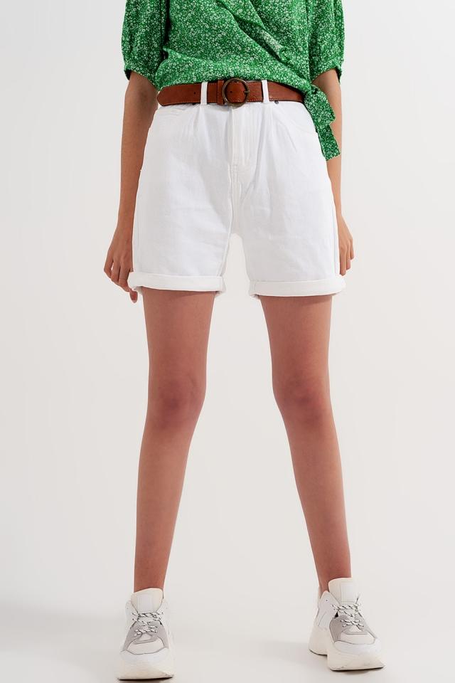 Calções de cintura alta em branco lavado