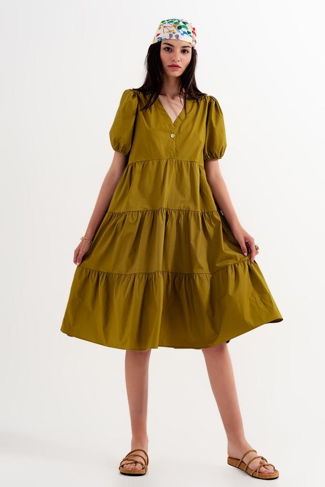 Vestido verde monocromático de comprimento médio