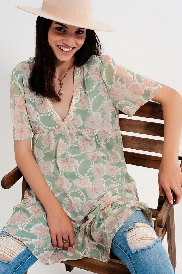 Babydoll mini vestido em floral verde