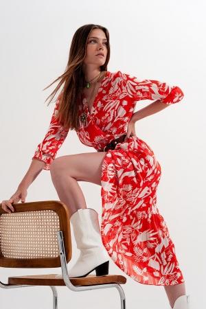 Midi vestido em vermelho com estampa floral