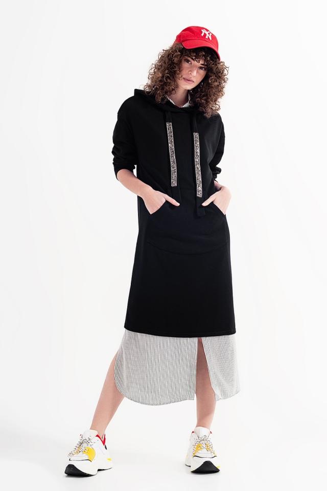 Vestido de camisola com capuz em preto