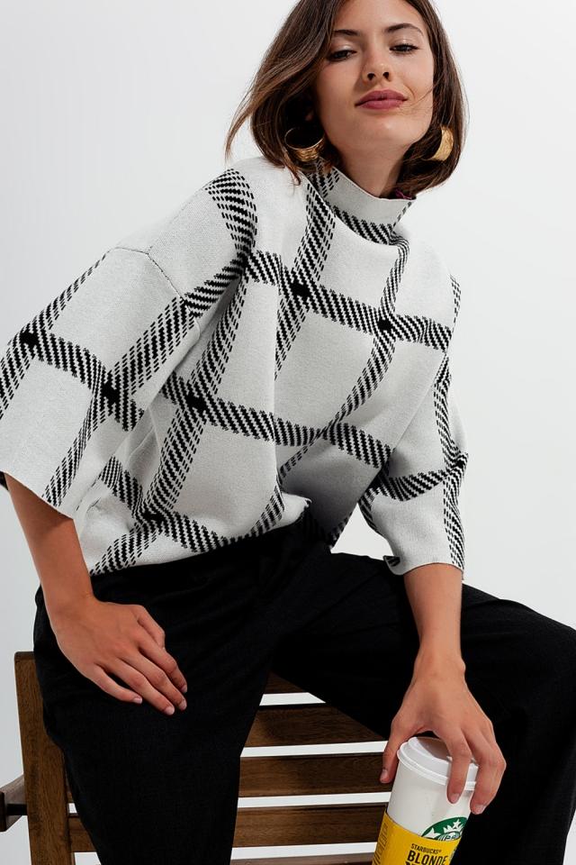 Camisola de padrão de quadrado monocromático creme